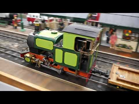 Steam In Beds 16mm Narrow Gauge Live Steam Garden Model Railway Exhibition 2017