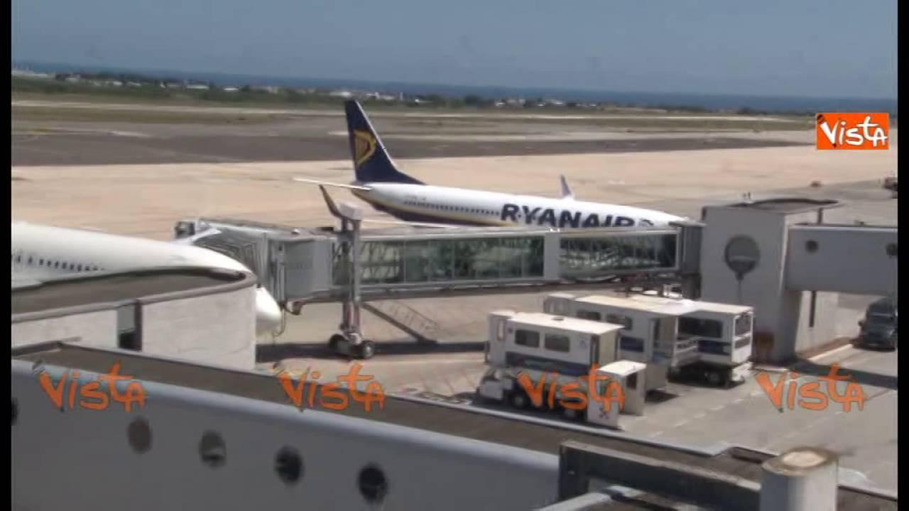 Aeroporto Bari : Bari corsaro a catania tifosi biancorossi in visibilio all