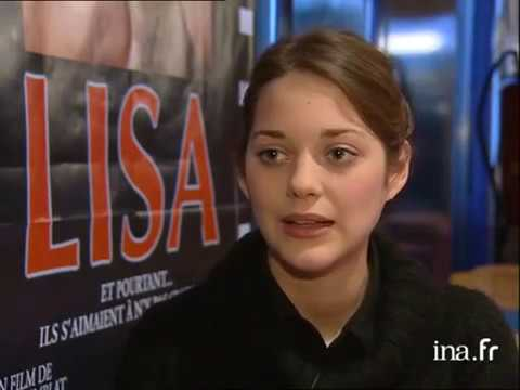 Premiere Of The Film Lisa With Marion Cotillard And Jeanne Moreau In Orleans France 01 05 2001