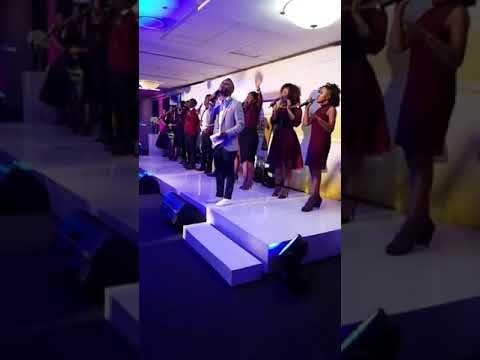 Takie Ndou - Holy (live)
