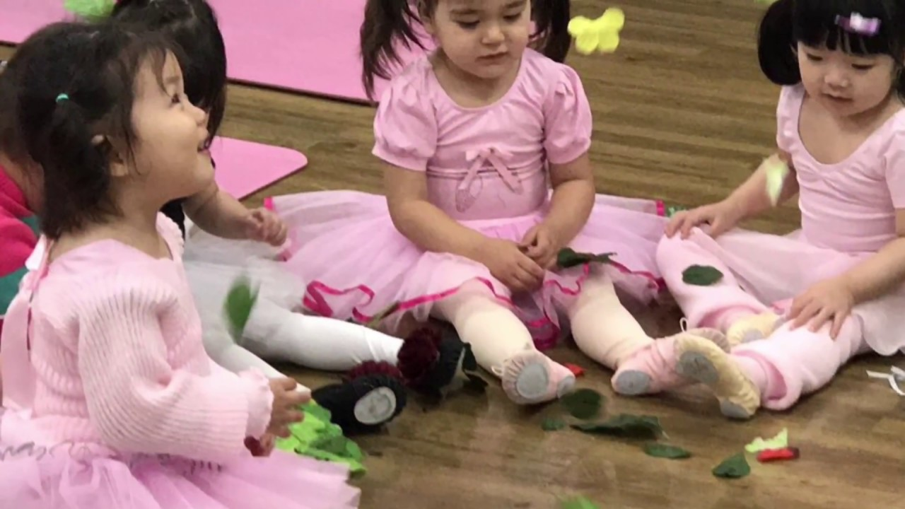 Maya's First Ballet Class with Migook Mama