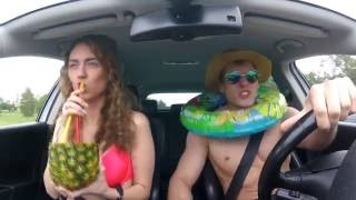 Когда в машине заиграла твоя любимая песня...