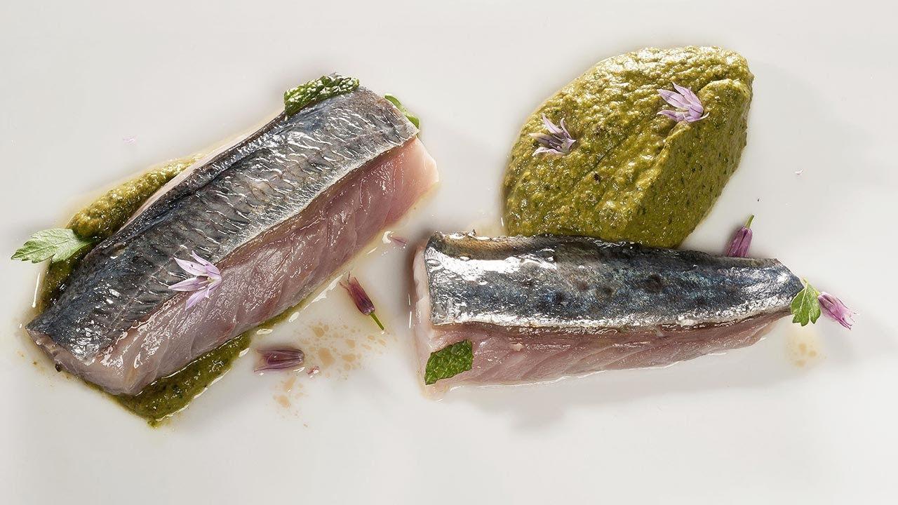 Chicharro en salmuera y asado con puré de pistachos 🥜 - Cocina con Bruno Oteiza