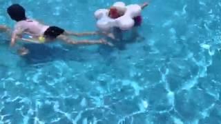Хоум видео. Дети в бассейне ))(Хургада. 2013. Июль, 5., 2013-07-05T09:56:21.000Z)