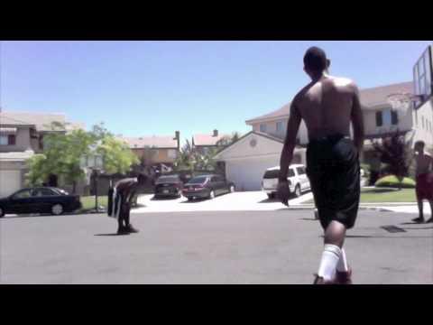 bobbe j. thompson playin basketball