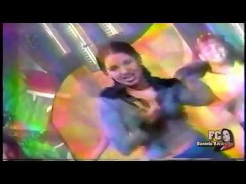 Daniela Alvarado cantando Por Favor en el Programa Super Club de Los Tigritos