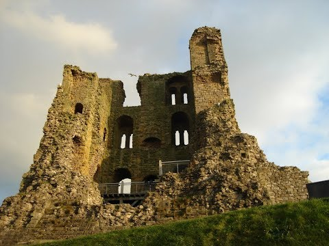 Places to see in ( Yorkshire - UK ) Scarborough Castle