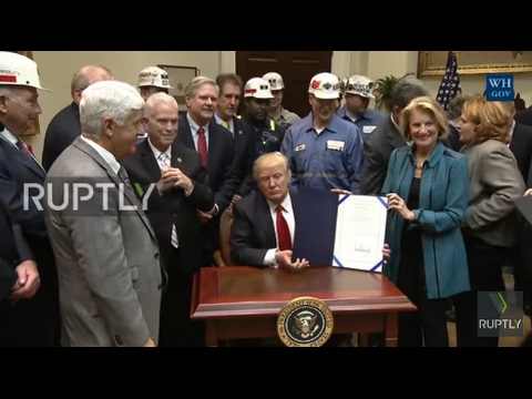 USA: Trump slams Obama's 'wasteful regulations' as he repeals coal mining protection