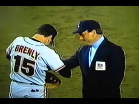 "Terry Mulholland Tosses Entire Glove With Ball To First Base! ""San Francisco Giants"""