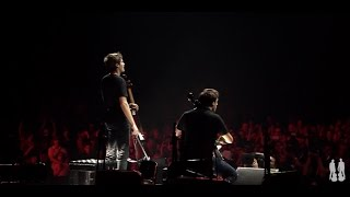 Скачать 2CELLOS Smells Like Teen Spirit LIVE At Arena Zagreb