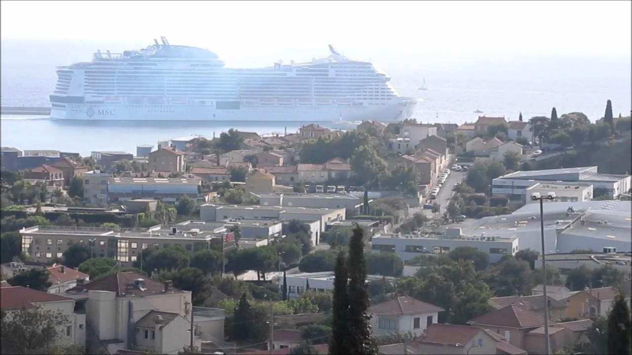 Un bateau de croisi re sort du port de marseille youtube - Port de croisiere marseille ...