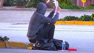 Homeless Man Does Unbelievable Act Social Experiment thumbnail