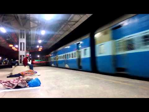 12141 Mumbai - Rajendra Nagar [Patna] Express...Indian Railways!