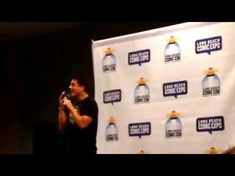 John Barrowman Gets Phone Call from Scott Long Beach Comic-Con 2015 Torchwood Arrow