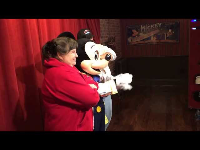 Brooklyn meets talking mickey mouse at walt disney world walt disney world talking mickey mouse meet and greet on 111313 m4hsunfo Images