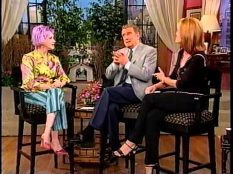 Cyndi Lauper on Regis and Kelly 2000