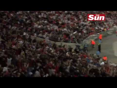 Terry Venables perform Elvis Presley's 'If I Can Dream'The SunSport Football
