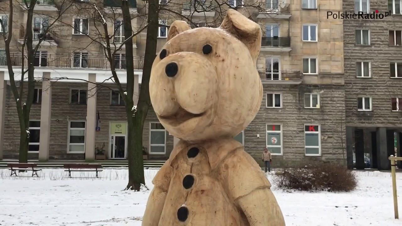 Bajkowe rzeźby na Placu Baśniowym