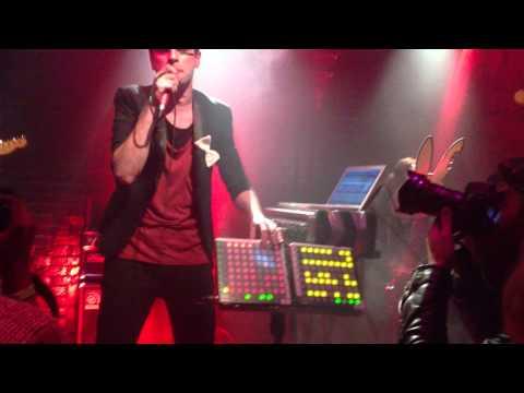 DAN BLACK performs SYMPHONIES live at Le Baron NYC