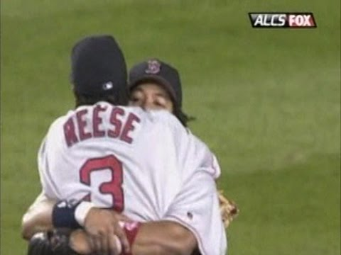 2004 ALCS Gm7: Red Sox advance to the World Series