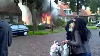 (Update)Bewoner en hondjes omgekomen bij grote uitslaande woningbrand v Dekemalaan Heerenveen 2010.