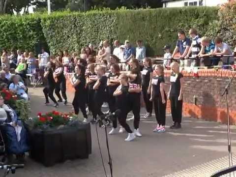 Uckfield Bandstand Marathon_Debs Dancers formation dancing (Video by UKRay)