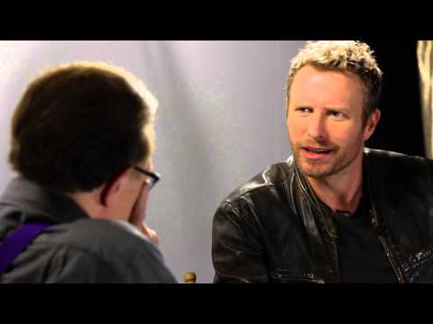 Kenny Chesney Bought Me A Boat | Dierks Bentley | Larry King Now - Ora TV
