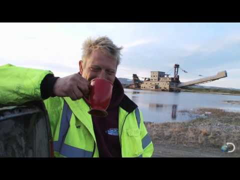 A Call to the Cops | Bering Sea Gold