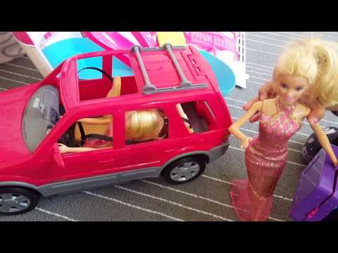Barbie and Chelsea go away on a Cruise holiday.