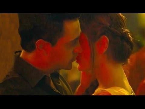 Imran & Kareena Kissing Scene