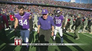 Bud Grant Wows The Crowd In Polo Shirt