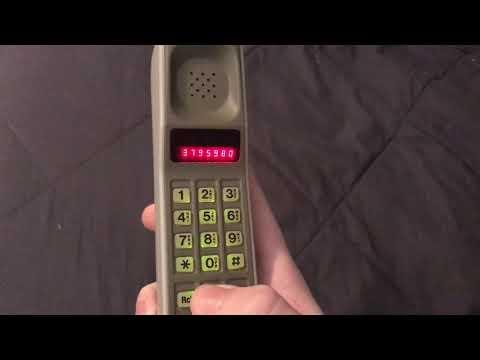 Motorola DynaTAC 8000S (1986)