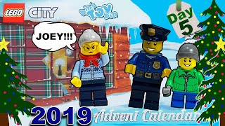Day 5 ~ 2019 Lego City Advent Countdown to Christmas Continues!!