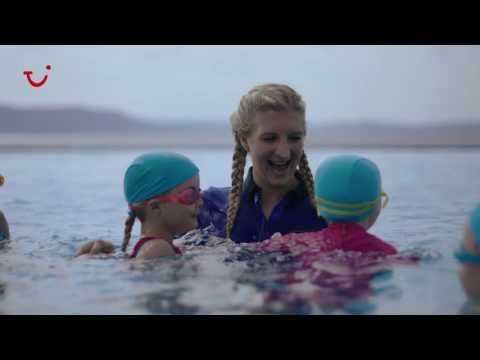 Rebecca Adlington's surprise swim session with TUI FAMILY LIFE | TUI