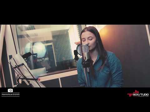 Catalina Gheorghiu canta DESPACITO Romanian - Live @ Box Studio Media
