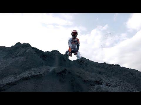 Hugo Toxxx - Mako Haze mp3 ke stažení