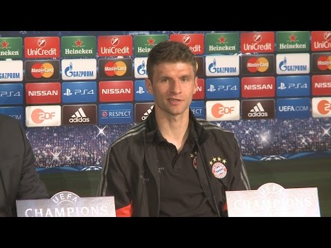 "Thomas Müller scherzt: ""I'm the press officer of Philipp Lahm"" - FC Bayern vor Porto"
