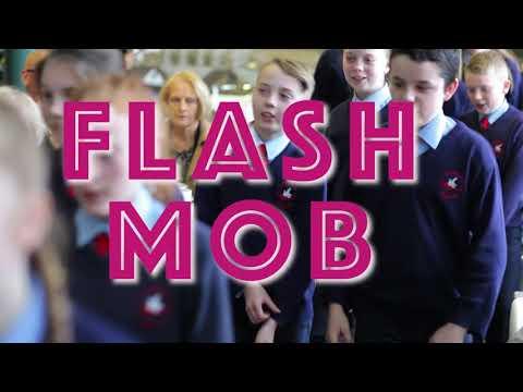 Seachtain na Gaeilge: Gaelscoil Adhmhnain pupils amaze audience with flashmob!