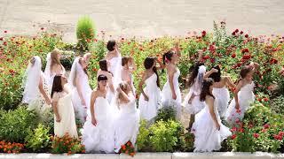 Заключенные вольской колонии снялись в клипе в свадебных платьях