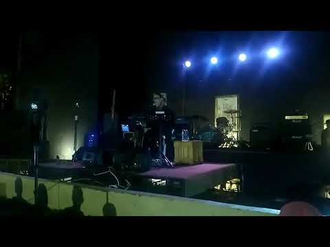 DEWA 19 - Aku milikmu cover Nufi Wardhana live in Nestcoffe Jombang.