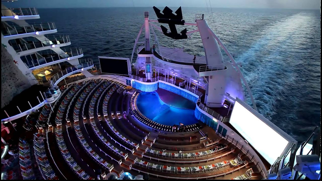 Oasis of the seas aqua theater canon eos 5d mark 2 youtube for Show java pool size