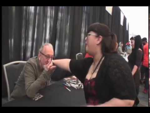 "Robert Englund ""Freddy Kruger"" talks to a fan 4/23/17"