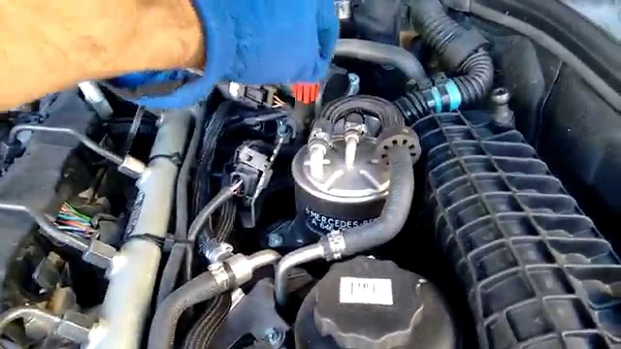 Easy Engine Oil Change - Mercedes C Class w203 220 CDI Diesel - 3/13