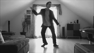 Женщина, я не танцую