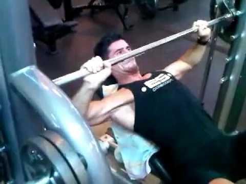 David Costa - Fitness Model -Workout @ Gold Gym Miami: Full body circuit training