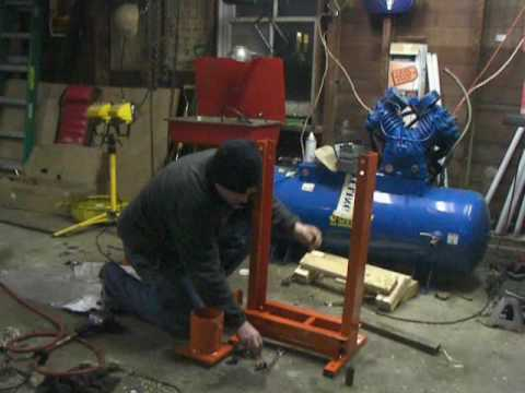 Harbor Freight Low Profile Air Over Hydraulic 20 Ton Jack