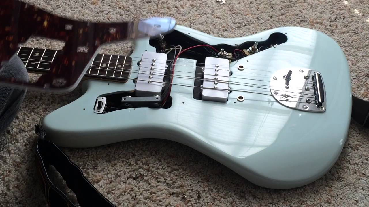 DIY how to replace the pickguard on an electric guitar / Fender Squier  Jazzmaster