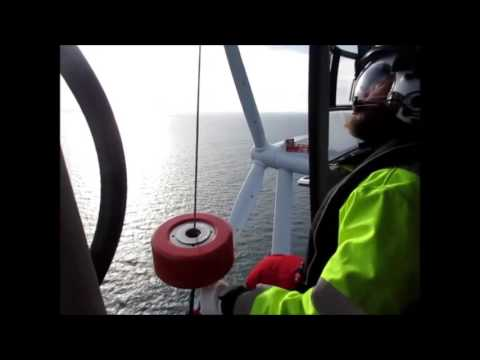 Helicopter Wind Farm Cargo Pickup - Westermost Rough