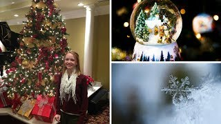 25 Minutes of Christmas Piano Music with The Piano Gal