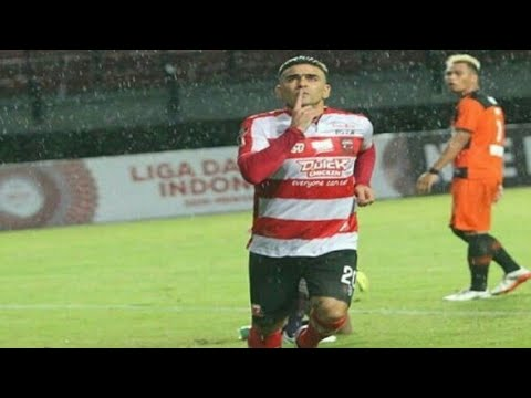 Permintaan Maaf Cristian 'El Loco' Gonzales Kepada Aremania Mp3